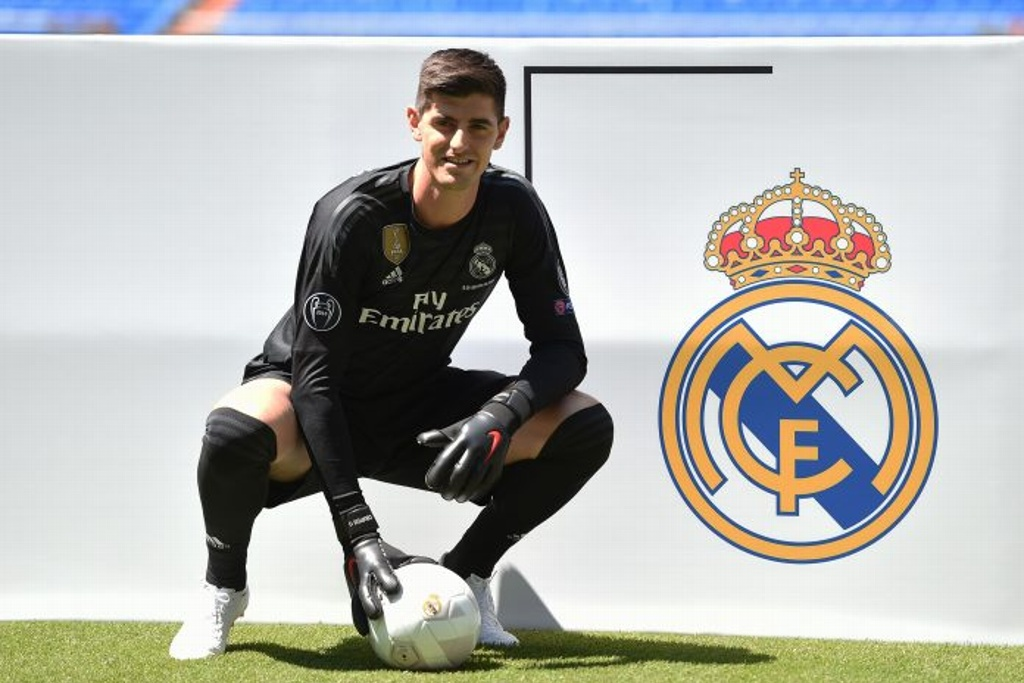 Thibaut Courtois firma con el Real  Madrid