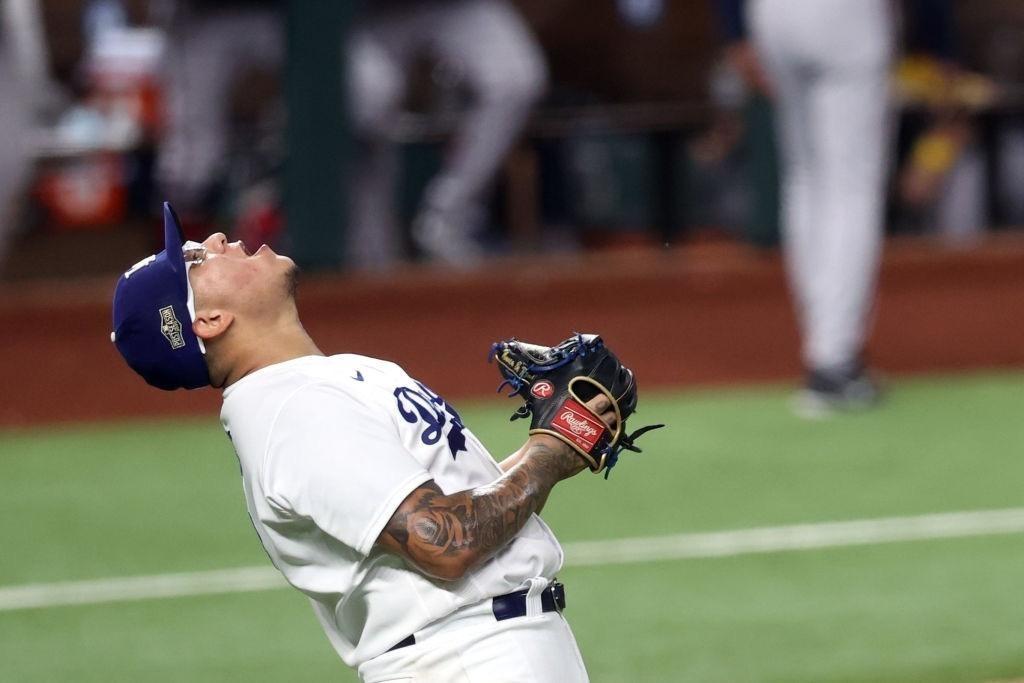 Julio Urías conduce a los Dodgers a la Serie Mundial