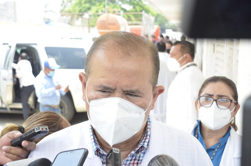 Reporta hospital 'Juan Graham' más de 90 hospitalizados por COVID-19; la mitad tienen menos de 40 años