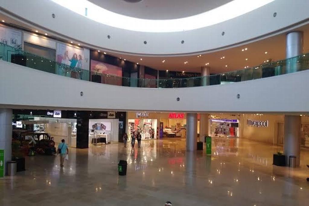 Pedirá CANACO que plazas comerciales abran nuevamente los domingos