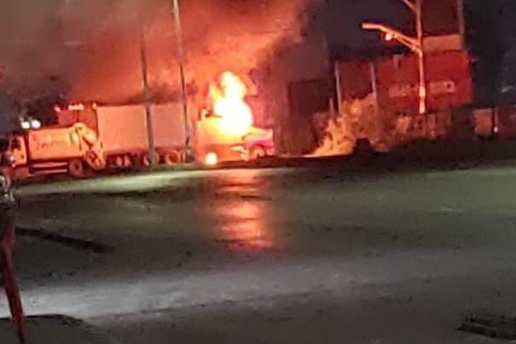 Reportan bloqueos y balaceras en Matamoros; gobernador pide seguridad